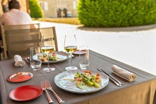 Restaurant Terrasse Gastronomie Bourgogne Terroir